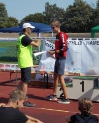 Marvin bei der Siegerehrung in Hameln: Glückwunsch zum 1. Platz MJA und 21. in der Gesamtwertung!