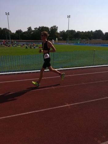Marvin beim Laufen: Triathlon Hameln 2018